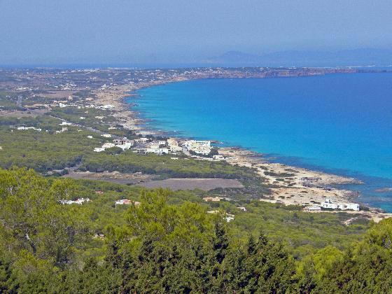 3038778-Travel_Picture-Isla_de_Formentera